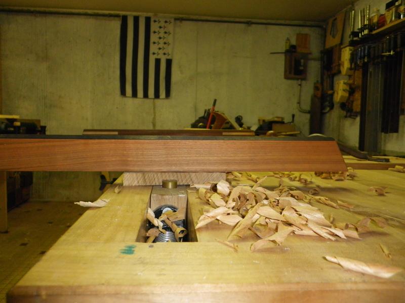 The Saw Till ou l'étagère à scie - Page 3 Imgp0733