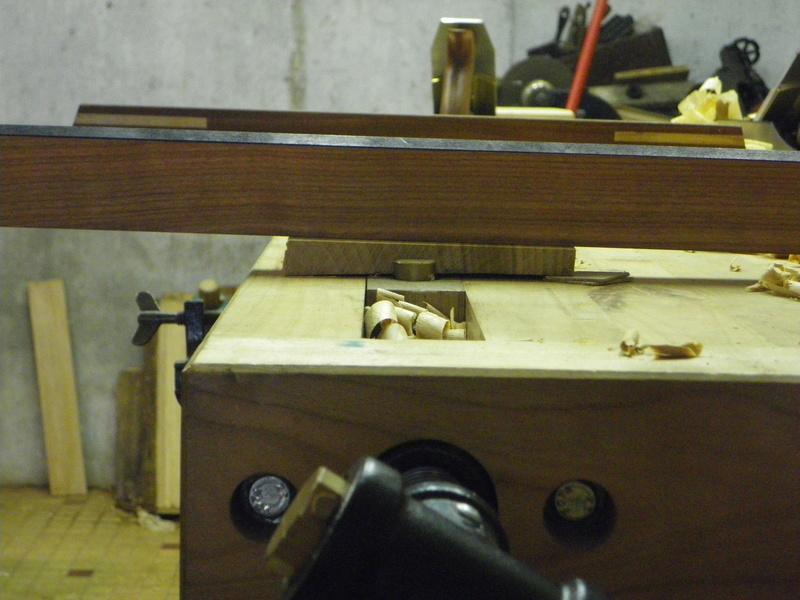 The Saw Till ou l'étagère à scie - Page 3 Imgp0741