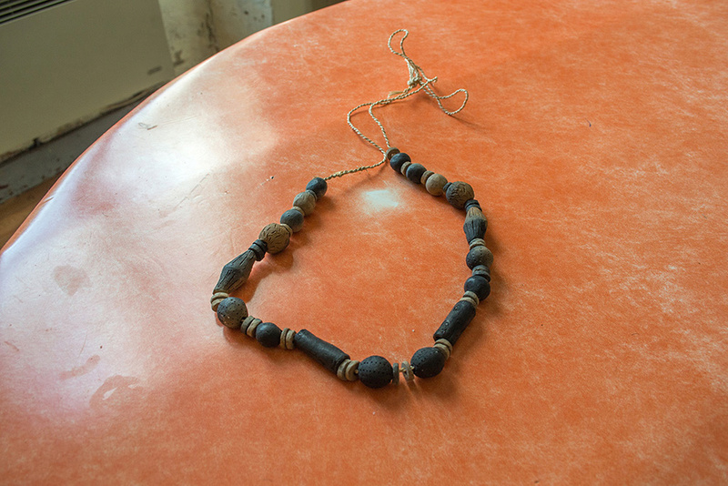 Colliers et bijoux en terre cuite Dsc_3812