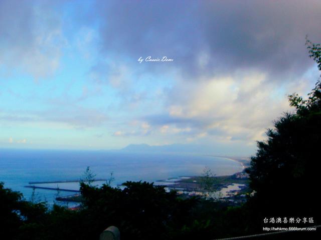 【宜蘭旅遊 | 頭城 | 烏石港 | 海景】旅途中的龜山島 Dsc02518