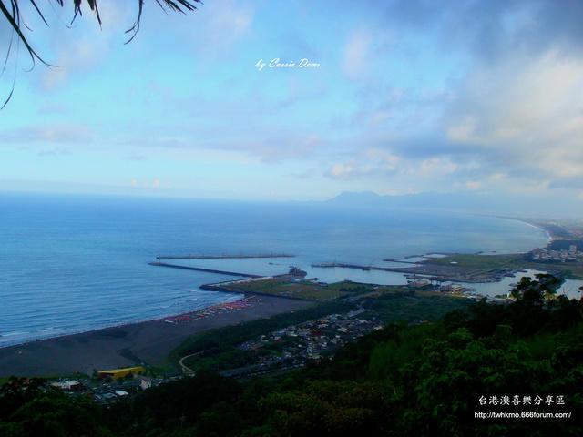 【宜蘭旅遊 | 頭城 | 烏石港 | 海景】旅途中的龜山島 Dsc02519