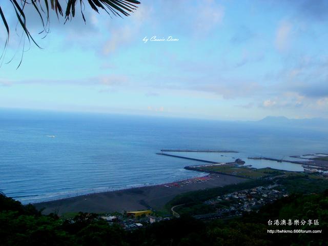 【宜蘭旅遊 | 頭城 | 烏石港 | 海景】旅途中的龜山島 Dsc02520