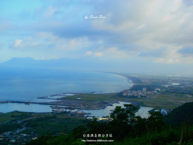 【宜蘭旅遊 | 頭城 | 烏石港 | 海景】旅途中的龜山島 Dsc02522