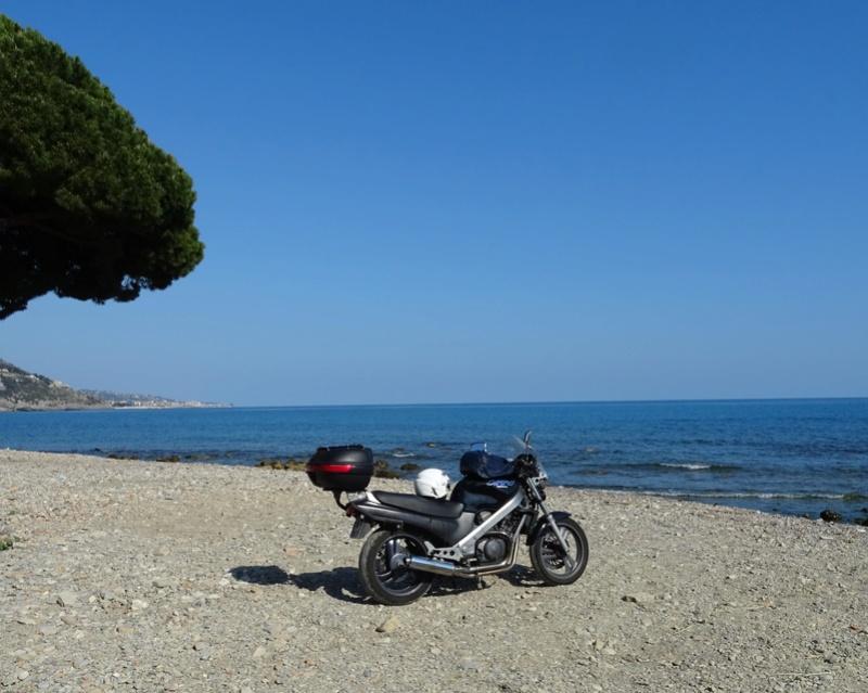 Concour Photo d'Octobre: le V2 Honda au bord de l'eau + [VOTES] Dsc00310