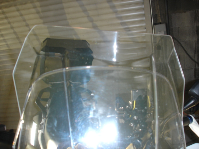 (vds) bulle haute touratech claire neuve pour crf 1000 Dsc03723