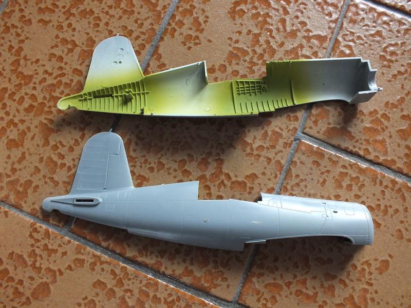 Corsair F4AU-1A 1/48 Tamiya réf.61070 décoration spécifique à mon pseudo............ Dscf0230