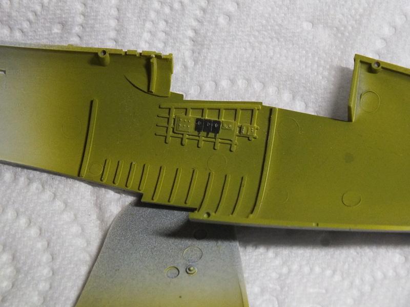 Corsair F4AU-1A 1/48 Tamiya réf.61070 décoration spécifique à mon pseudo............ Dscf0237