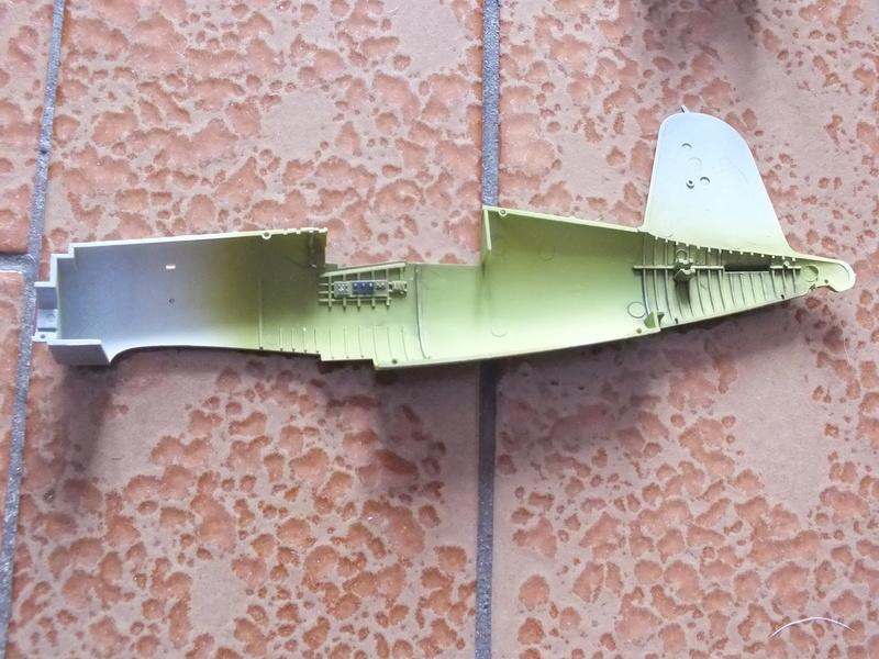 Corsair F4AU-1A 1/48 Tamiya réf.61070 décoration spécifique à mon pseudo............ Dscf0240
