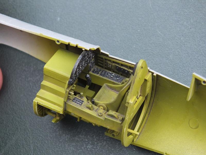 Corsair F4AU-1A 1/48 Tamiya réf.61070 décoration spécifique à mon pseudo............ Dscf0246