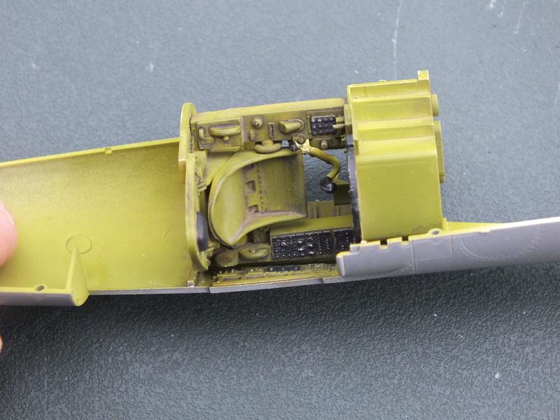 Corsair F4AU-1A 1/48 Tamiya réf.61070 décoration spécifique à mon pseudo............ Dscf0247