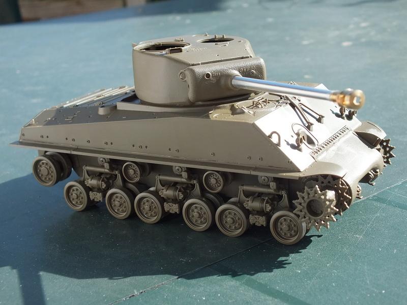 "Sherman M4A3E8 Tamiya réf. 35346 Déco Fury avec Kit Verlinden ""Fury"" Dscf0332"