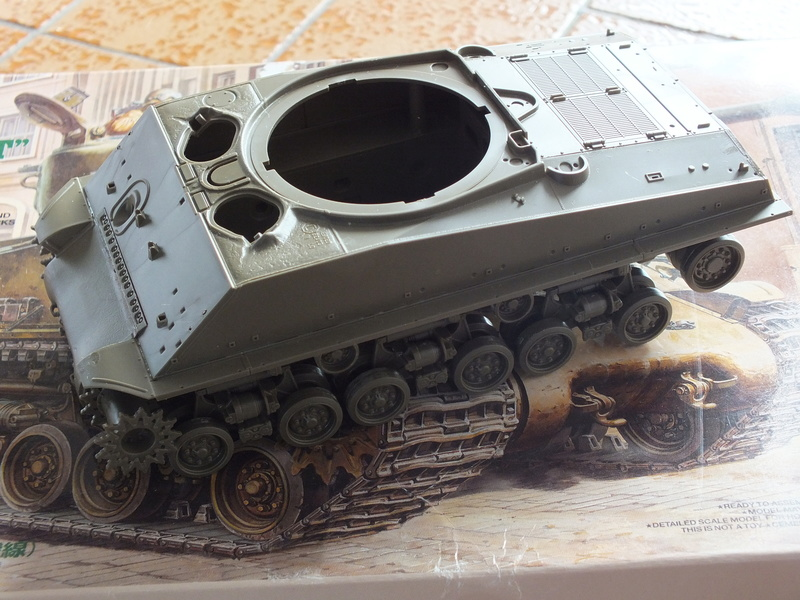 "Sherman M4A3E8 Tamiya réf. 35346 Déco Fury avec Kit Verlinden ""Fury"" Dscf0333"