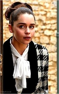 Emilia Clarke ▬ 200*320 Avatar31