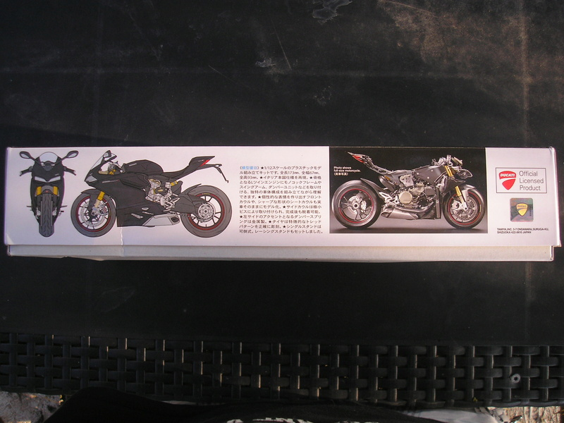[TAMIYA] DUCATI 1199 PANIGALE S 1/12ème Réf 14129 Ducati46