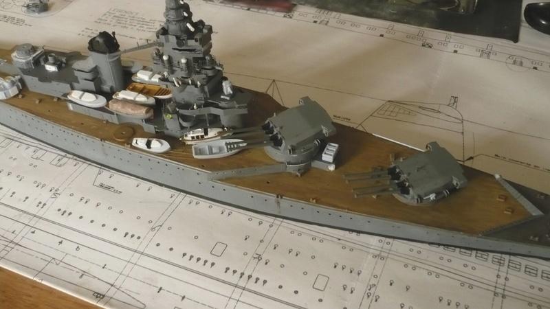 [1/400] diorama cuirassé Dunkerque à Mers El-Kébir 1940. - Page 2 P1220610