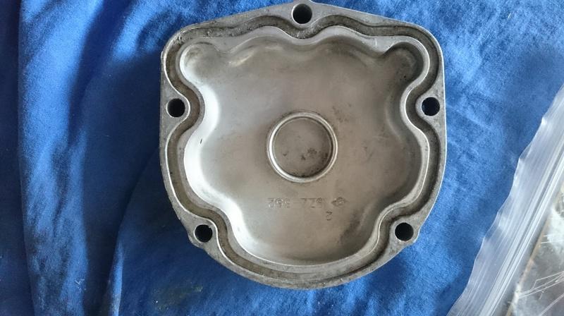 Modification pour radiateur huile sur GSX 1100 Dsc_0211