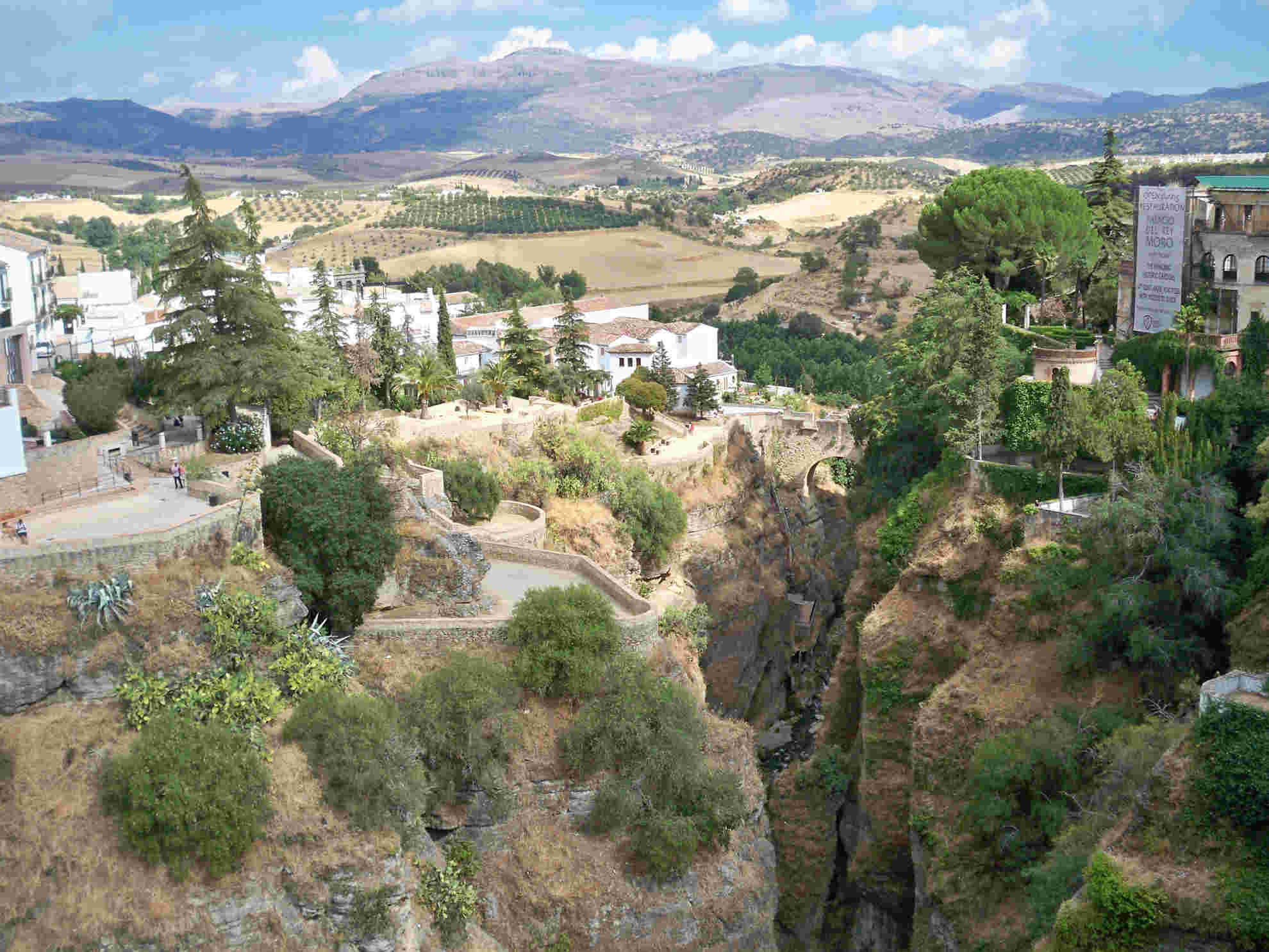 Ronda, village au bord d'un précipice - Espagne. Ronda310