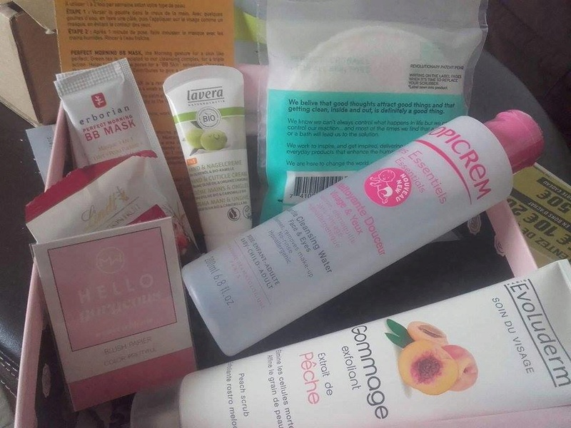 [Octobre 2016] Glossybox - Page 8 14619910