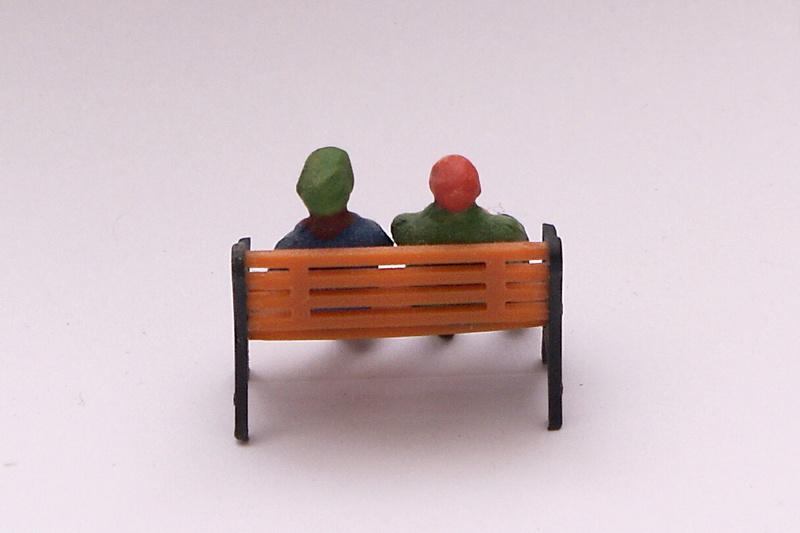 Bänke, Stühle für einen 1:48 River steamer Imgp9410