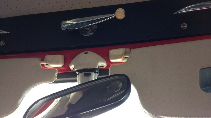 Problème de réglage capote KG cabriolet 1967 Img_2011