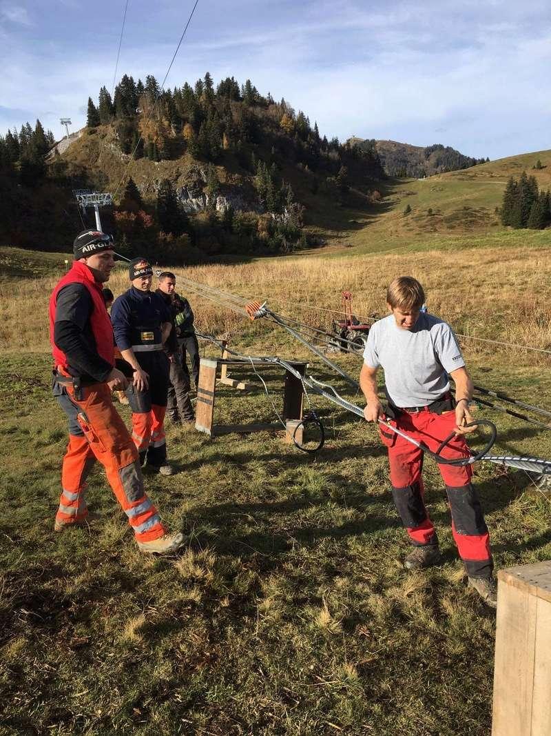 """Construction de télésièges dans le domaine """"Diablerets-Villars-Gryon (Suisse)"""" - Page 2 14853110"""