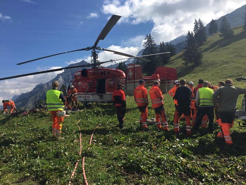 """Construction de télésièges dans le domaine """"Diablerets-Villars-Gryon (Suisse)"""" - Page 2 Helico10"""