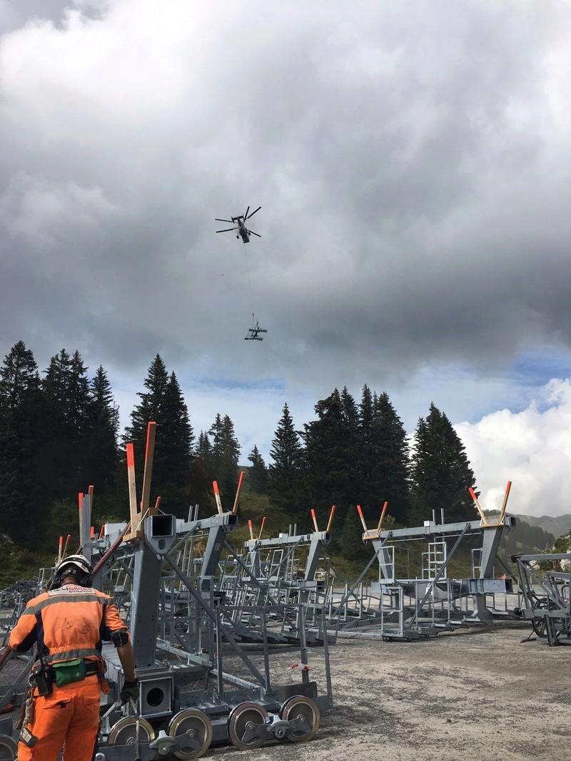 """Construction de télésièges dans le domaine """"Diablerets-Villars-Gryon (Suisse)"""" - Page 2 Helipo12"""