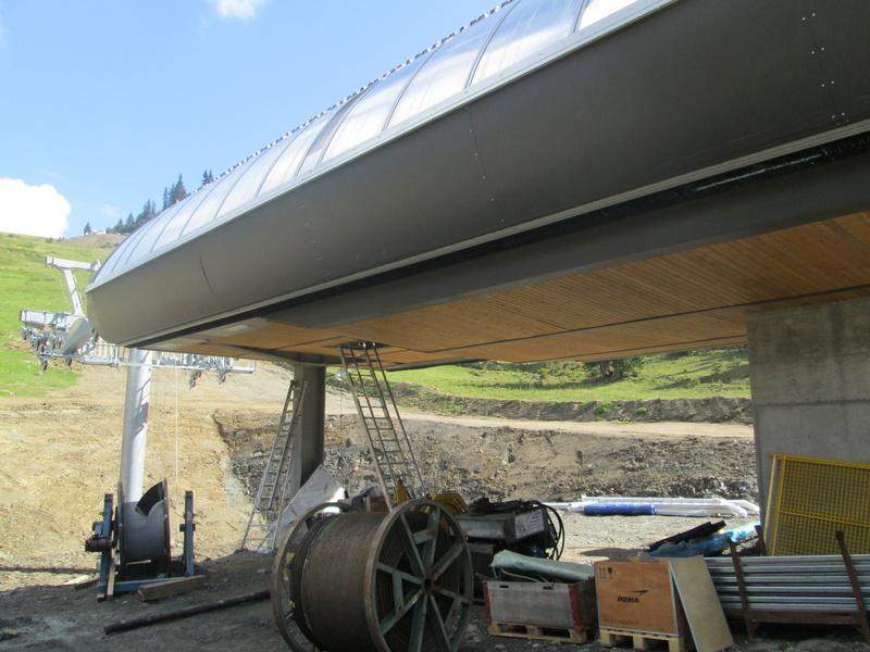 """Construction de télésièges dans le domaine """"Diablerets-Villars-Gryon (Suisse)"""" Img_1757"""
