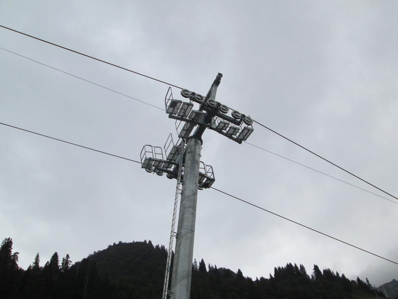 """Construction de télésièges dans le domaine """"Diablerets-Villars-Gryon (Suisse)"""" Img_1771"""