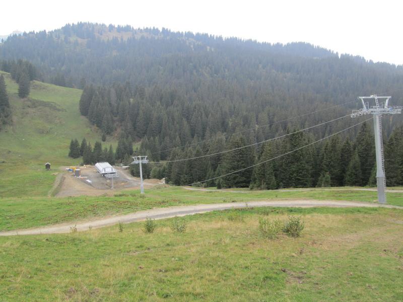 """Construction de télésièges dans le domaine """"Diablerets-Villars-Gryon (Suisse)"""" Img_1774"""