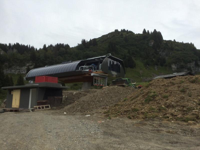 """Construction de télésièges dans le domaine """"Diablerets-Villars-Gryon (Suisse)"""" Img_4110"""