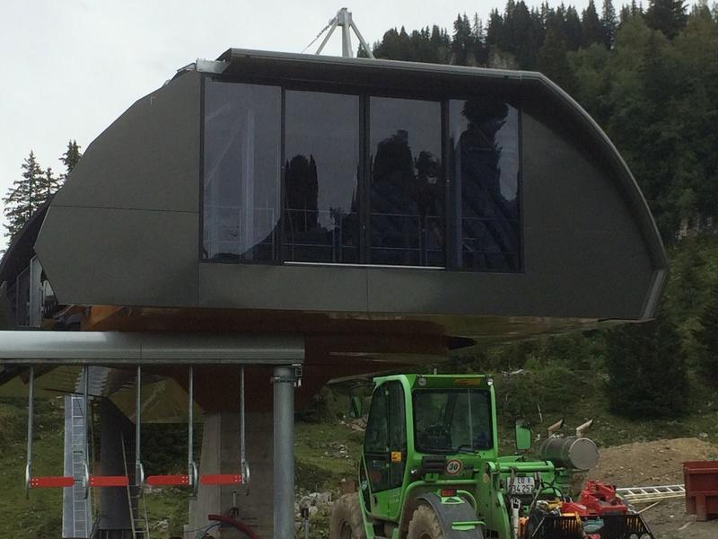 """Construction de télésièges dans le domaine """"Diablerets-Villars-Gryon (Suisse)"""" Img_4111"""