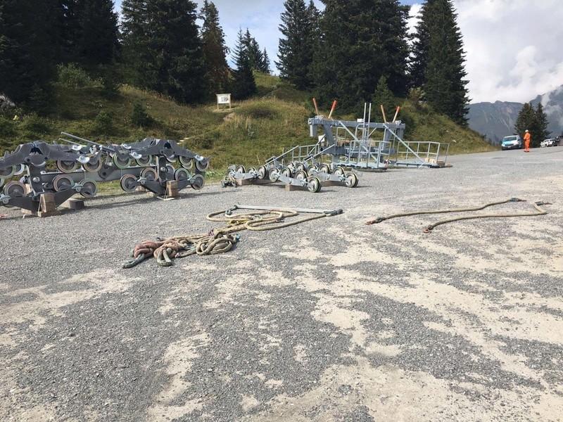 """Construction de télésièges dans le domaine """"Diablerets-Villars-Gryon (Suisse)"""" - Page 2 Place10"""