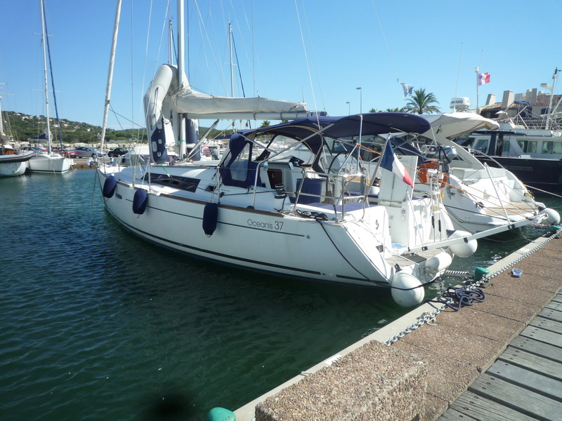 OCEANIS 37 de 2011 ( modèle 2012) à vendre P1060811
