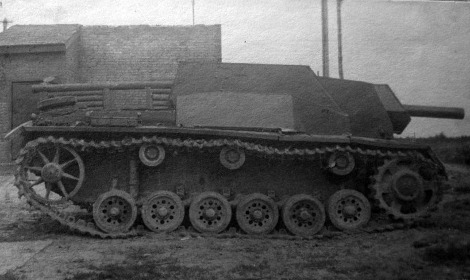 СГ-122 штурмовое орудие на трофейной базе Sg122s16