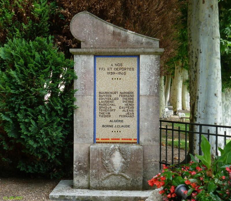 BRIARE - monuments aux combattants, FFI et Déportés 2011_b10