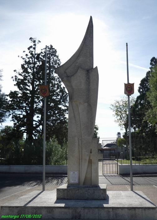 Monument à Montargis (Loiret) Montar10