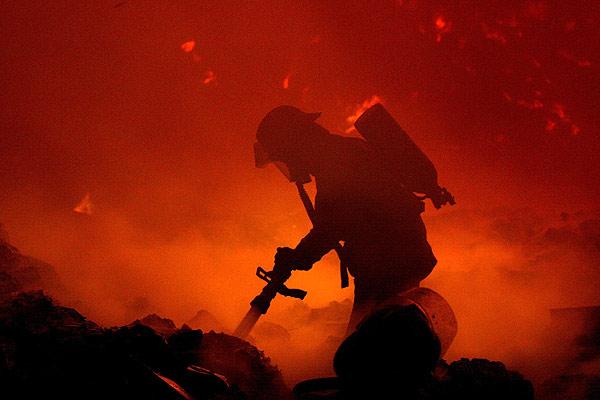 Carta de un bombero desde un infierno, entre la vida y la muerte 56777410