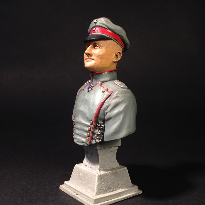 Manfred von Richthofen (baron rouge) 150 mm  Image190