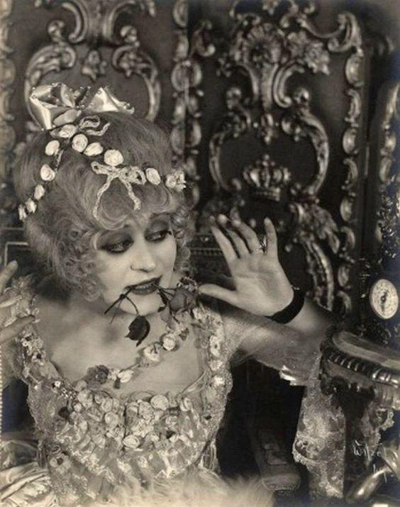 Madame Du Barry au cinéma - Page 3 C1d50610