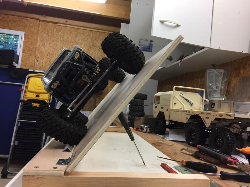 Mesurer le point de glissade et de renversement de plusieurs crawlers sur une surface identique. Img_2125