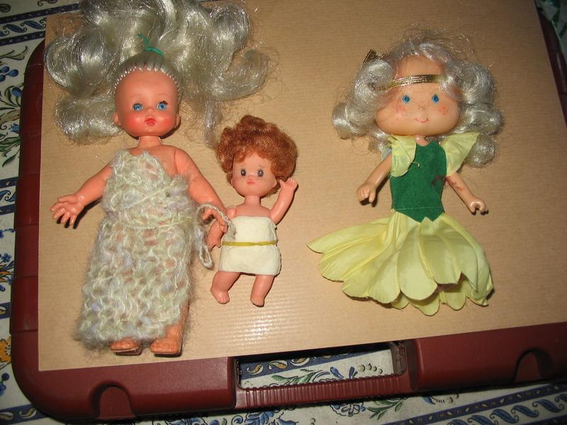 Département des poupées non identifiées - Page 2 2016_011