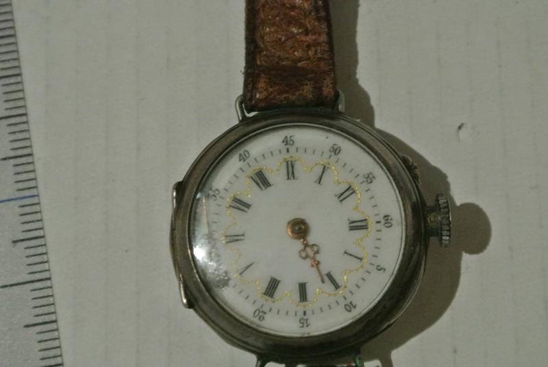 Jaeger -  [Postez ICI les demandes d'IDENTIFICATION et RENSEIGNEMENTS de vos montres] - Page 22 Dsc_0310