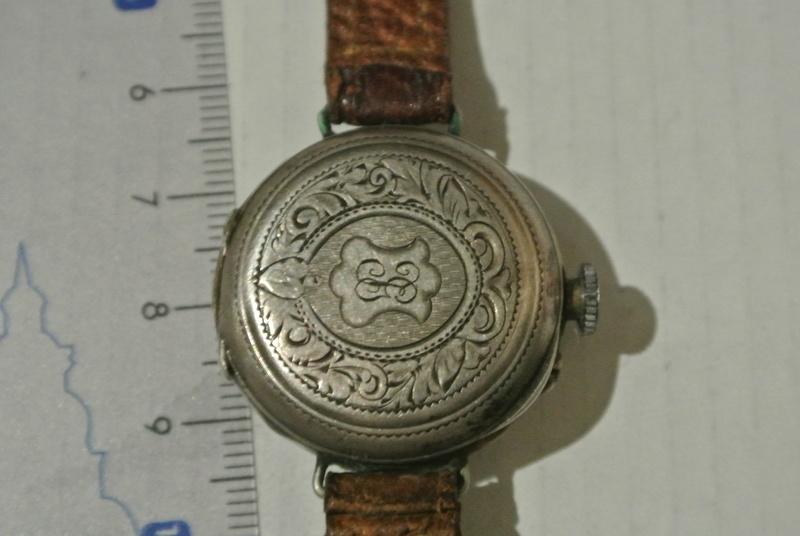 Jaeger -  [Postez ICI les demandes d'IDENTIFICATION et RENSEIGNEMENTS de vos montres] - Page 22 Dsc_0312