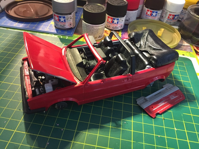 VW Golf 1 Cabriolet 1/24 [ REVELL ] - Page 5 Image160