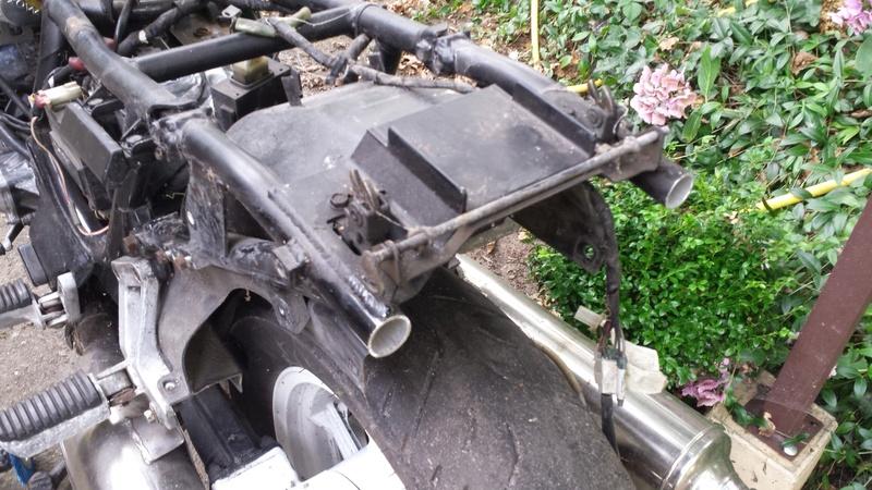 Préparation GTR 1000 1988 en scrambler ...ou pas...on verra! 20160915