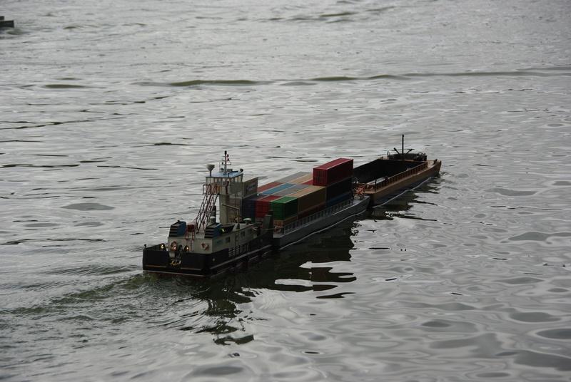 Pousseur & barges Menvussa/France 6 & 7 (scratch) de Caboteur44 Imgp2312