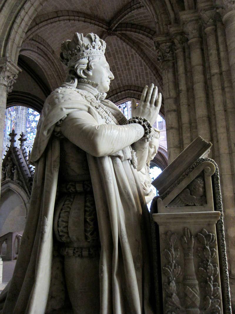 la basilique Saint Denis - Page 8 Zz10