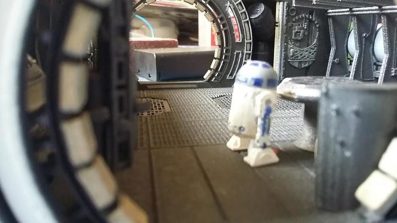 LrdSatyr's DeAgostini Millenium Falcon Diorama Build - Page 8 R2-in310