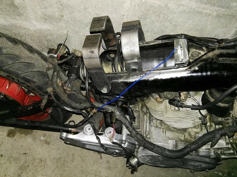 XV 750 SE >> XV 1100 Virago Cafe racer - Page 2 Img_2023